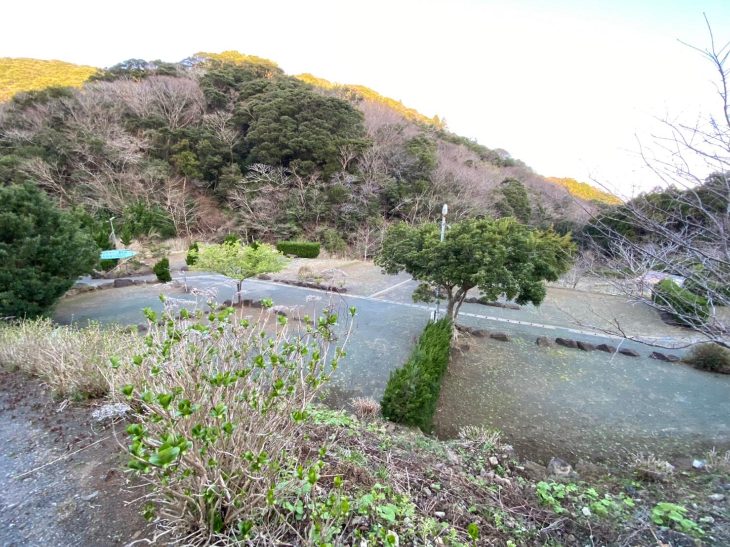【富士山が見え、海水浴場も近い!伊豆】『オートキャンプ場花沢』の情報まとめ(駐車場・トイレ)