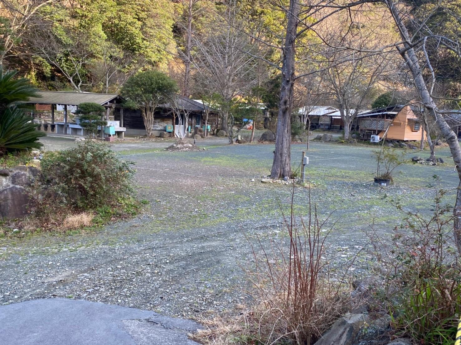 【川・森・自然豊か!】『西伊豆オートキャンプ場』の情報まとめ(駐車場・トイレ)