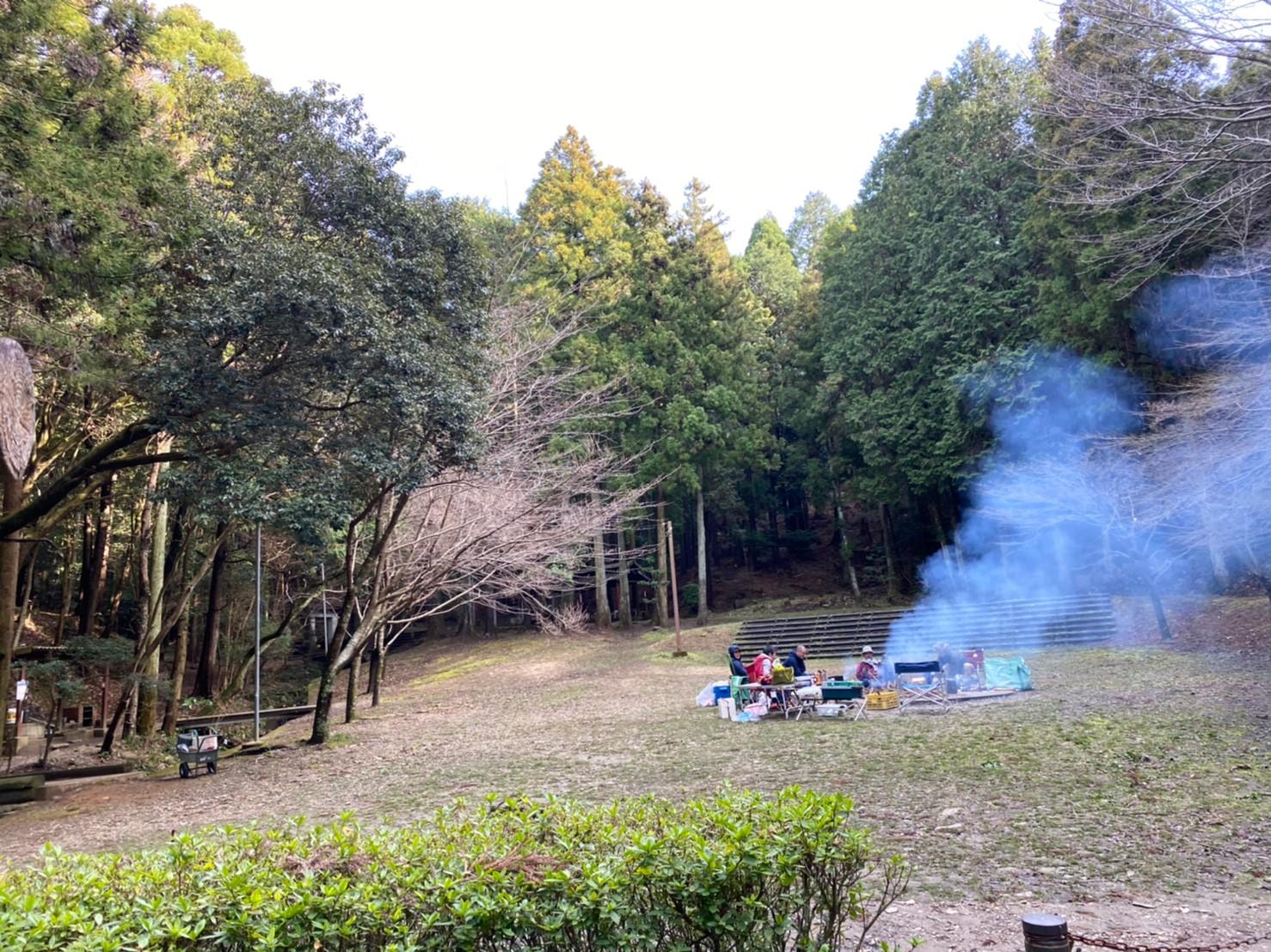 【名古屋から1時間で大自然!】愛知県『桑谷キャンプ場』の情報まとめ(駐車場・トイレ)
